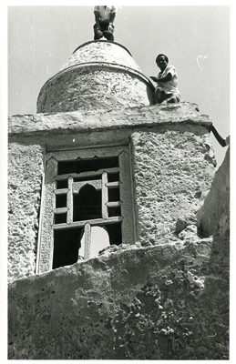 Minaret of Mosque of Abubakar Siddik (Photo: N. Chittick, Courtesy of BIEA)